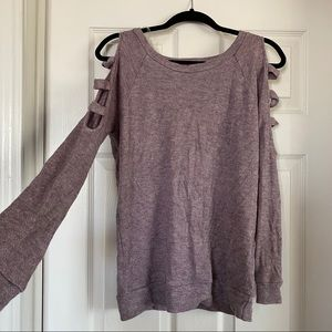 NWOT BOUTIQUE CUT OUT SLEEVE SWEATER